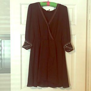 Dresses & Skirts - Flirty, fun black dress